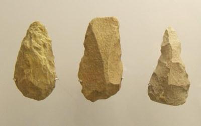 Museo-Arqueologico-Asturias_Grupo-tipologico-Achelense0002377.jpg