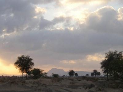 Emiratos-Arabes_4_Paisaje-Thuqeibah_Carmen-del-Cerro.jpg