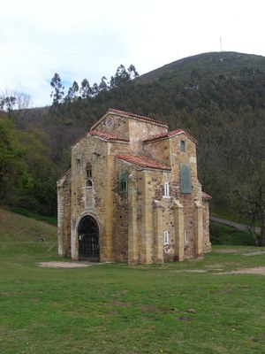 Oviedo_San-Miguel-de-Lillo_01.jpg