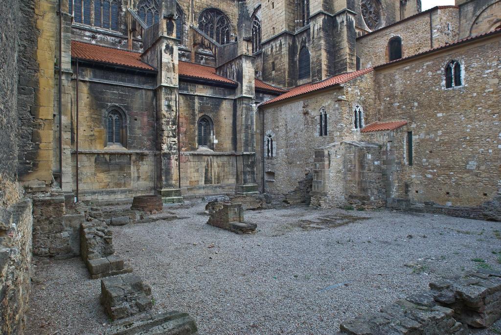 Excavación arqueológica en el Palacio Arzobispal de Oviedo