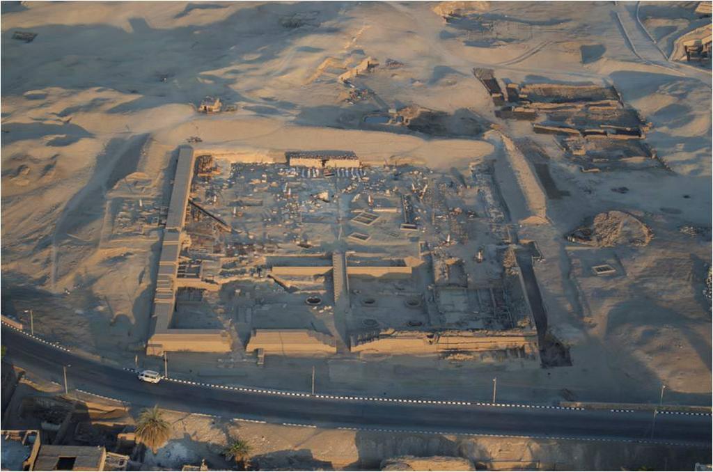 Maria Antonia Moreno_Egipto_III Jornadas Arqueologia_Exterior_Oviedo_0